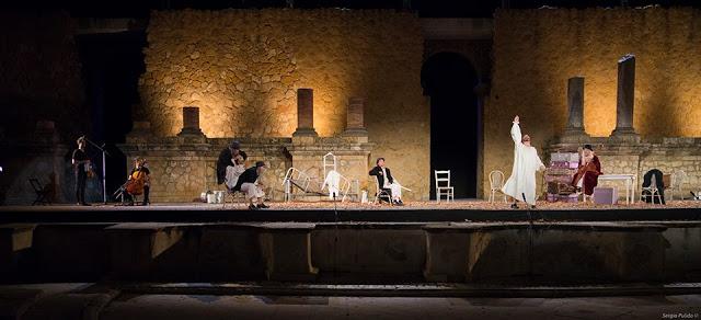 La sonrisa llega al teatro romano de Baelo Claudia